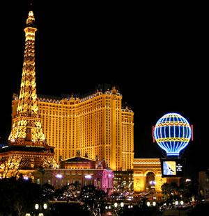 Эйфелева башня в Лас Вегасе